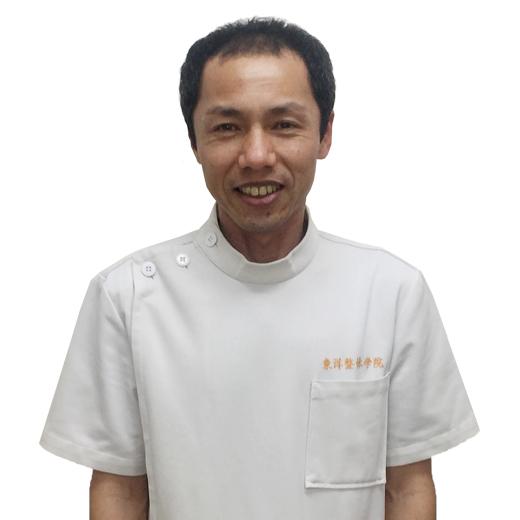 年岡 勇二